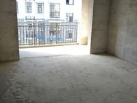 城南盐业附近,3房2厅2卫,2500平方,框架现浇,3面通透,采光好,包出证。