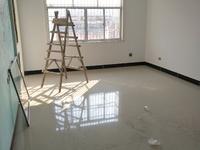 城南建材市场。133平方,3房2厅2卫,新装修,采光好,证件齐全,仅售30万